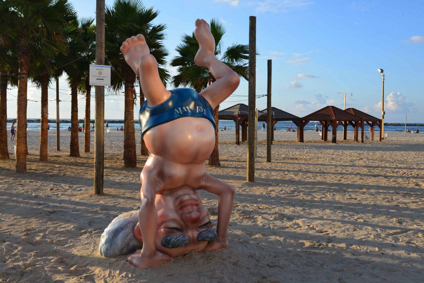 Ben Gurion statue, Tel Aviv beach